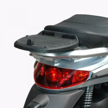 GIVI ΒΑΣΗ TOP CASE PIAGGIO BEVERLY TOURER 250/300/400 08>10